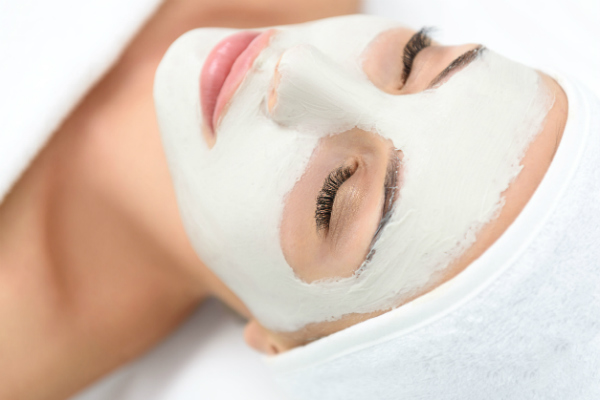Refreshing Facial Treatment